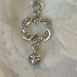 NWOT SILVER ZIRCON/CRYSTAL DOUBLE HEART NECKLACE